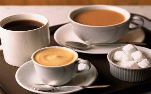 Cafeteria con variedad de cafe y te